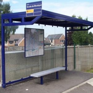 Abri-Plus---Abris-de-bus-ou-aubette-pour-usagers-des-transports-en-commun---Auvent-Rouen-4-M[1].jpg